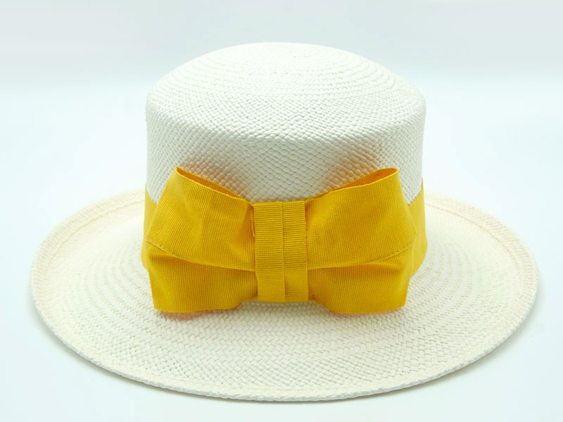 Cappello Panama bianco da donna con nastro grosgrain colorato