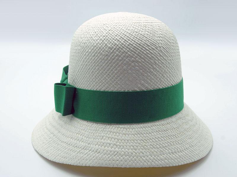 Cappello Panama bianco da donna anni 30 con nastro grosgrain colorato